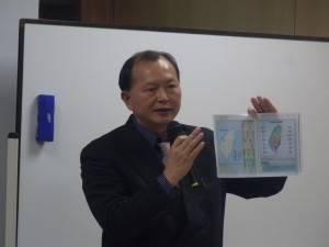 黃水益組長演講分享台灣文化與政治資訊