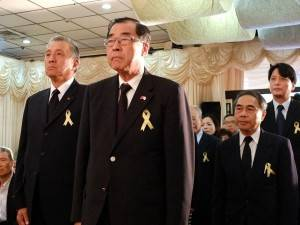 亞東關係協會廖了以會長(中央)、馮寄台前駐日代表(左)、亞東關係協會黃明朗秘書長(右)