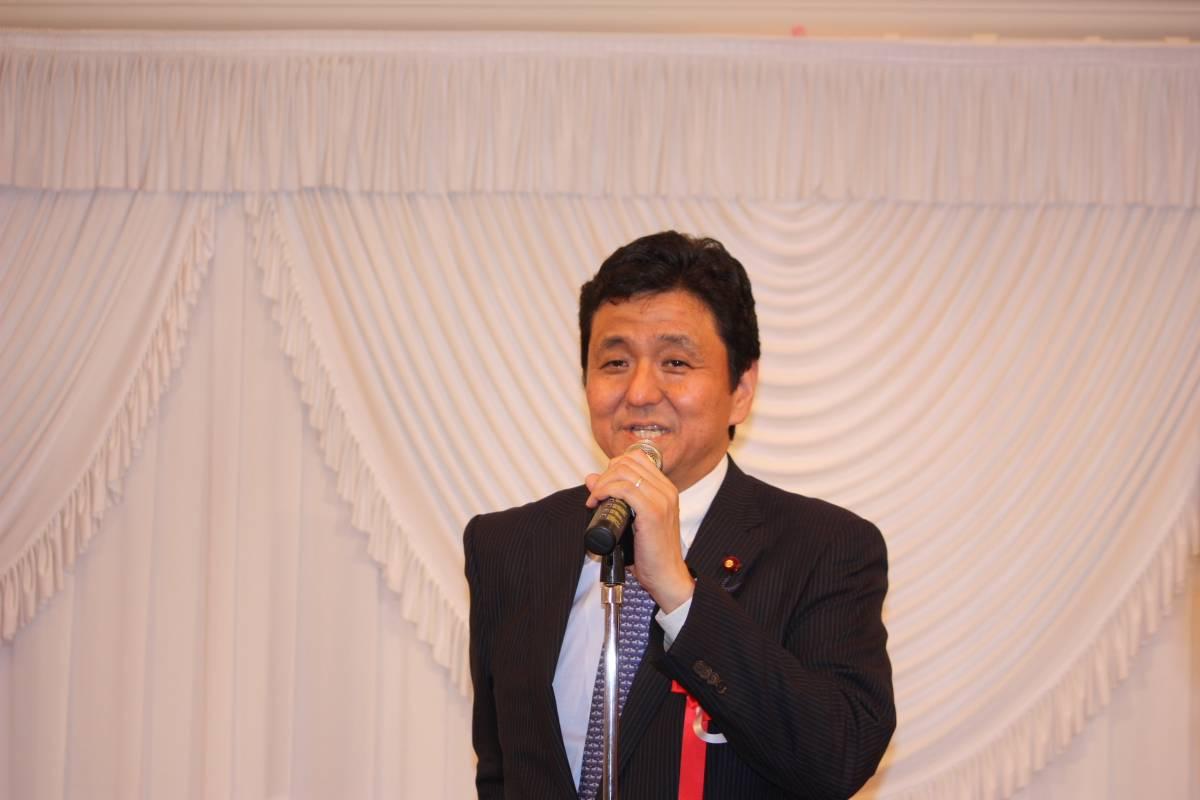 岸信夫日台若手議連会長 岸信夫日台若手議連会長 和やかな歓談が続くなか、来賓の挨拶に立った玉澤.