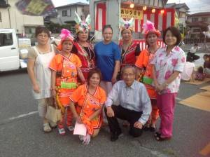 甲斐市市長保坂武(前排右)和山梨台灣總會成員合影