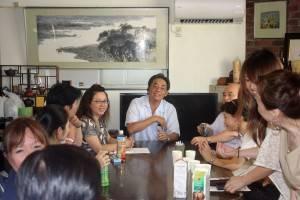 横浜台湾同郷会の鄭尊仁会長を訪ねた
