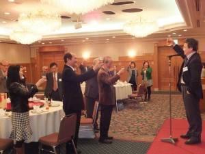 靜岡縣中華總會新年會上約有40餘名賓客踴躍出席