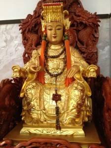 日本媽祖會會長曾鳳蘭表示日後計畫將為該會所有的「金媽祖」另建廟宇