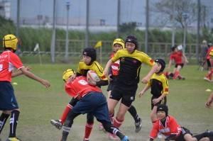 釜石シーウェイブスジュニアの子どもたちは「ラグビーを通して友達を作ること。そしてトライを取ること」を目標として試合に臨んだ