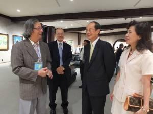 左起為畫家謝里法、台北文化中心主任朱文清和駐日代表沈斯淳伉儷