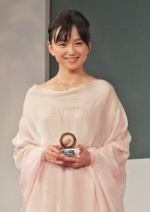 日本女星永作博美獲頒第2屆年度風雲女性