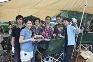 留學生們受邀參加烤肉大會
