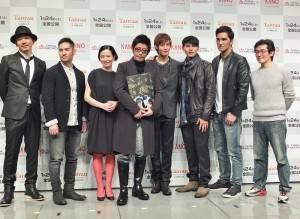 左起為:Rake、中孝介、坂井真紀、永瀨正敏、曹佑寧、陳勁宏、馬志翔和魏德聖,一行人出席日本試映會,為電影上映造勢