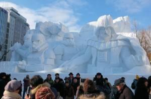 此次札幌雪祭的主題雪像《星際大戰》,使用約3500噸雪製作