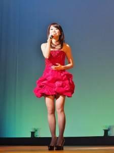 台語歌手甲子慧帶來台語組曲和《家後》感動全場