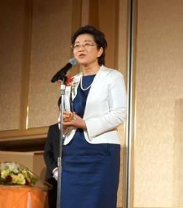 上橋菜穗子表示《鹿之王》是她在轉換期時撰寫的作品,此次獲獎等於是再度獲得大家的肯定