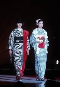 和服融合現代流行元素,展現混搭時尚