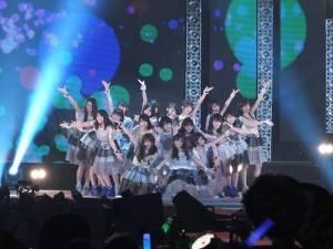 乃木坂46登台演唱