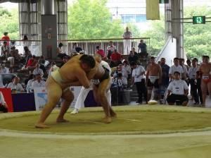 台灣男子選手(右)對抗蒙古選手