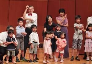 在日台醫人的第2代和第3代登台演出,可愛程度破表
