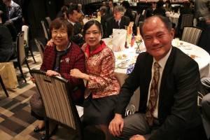 上村会長(左)と粘処長夫妻