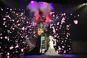 睽違4年受邀登場的小林幸子,「巨大性子」重達5噸的裝置,讓人驚艷
