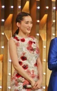日本女星綾瀨遙2度主持NHK紅白歌唱大賽