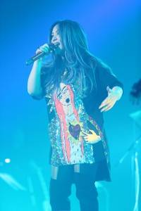 歌手のアーメイが東京でライブ