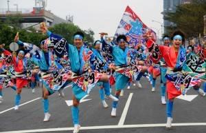 來自北海道的「夢想漣ESASHI」隊伍,以「海起誓興」為主題,呈現與大海共生、祈許豐收的心願(照片提供:桃園市政府)