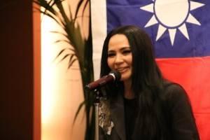 歌手潘越雲率領春節文化訪問團到日本橫濱演出