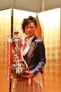 謝依旻連續4年拿下女流棋聖頭銜