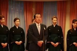 寶塚歌劇團理事長小川友次盼有機會帶著寶塚歌劇團到台南演出,鼓舞當地災民