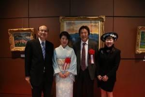 左起為,台灣文化中心主任朱文清、楊三郎美術館代表村越典子、楊三郎公子楊星朗、APA HOTEL社長元谷芙美子等人出席展示會開幕酒會