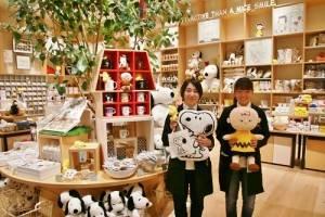 店員推薦多款東京史努比博物館原創周邊(©Peanuts)