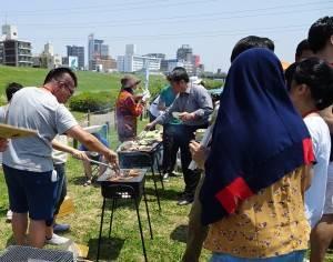 僑界青年與留學生、日本友人烤肉聯誼