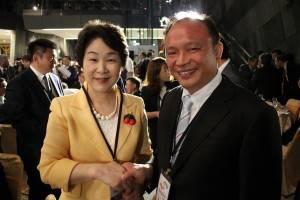 山形県の吉村美栄子知事(左)と宜蘭県の林県長