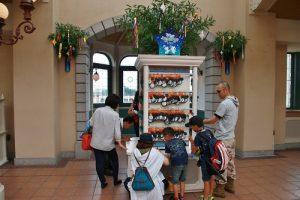迪士尼度假區線車站內也設有祈願小站