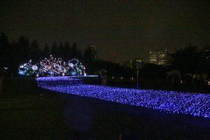 土浦市全國花火競技大會提供的花火演出以LED燈呈現