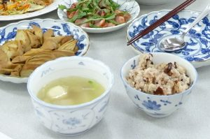 苗栗公館特產紅棗加上奈良明日香村三色米煮成的風味飯