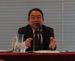 世論調査についてコメントした浅野和生教授