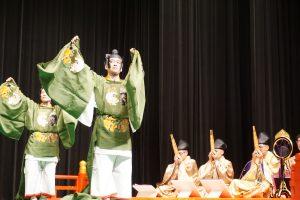 豊山雅楽会の舞踊と演奏