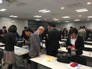 在場30餘家企業與關東各地區JETRO代表相互交換名片