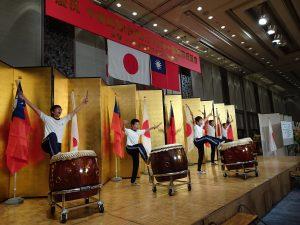 大阪中華學校鼓隊為晚會注入活力