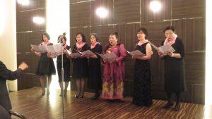 傑人會日本女會員上台合唱