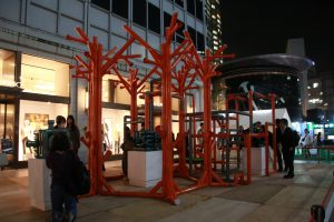 蔡昆霖為六本木藝術夜量身打造的作品《The Sound of Roppongi》就放在六本木最熱鬧的街道上