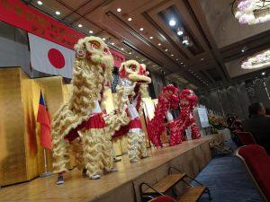祥獅獻瑞 為中華民國慶生