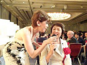 旅日歌手侯麗文與到場嘉賓互動、炒熱氣氛