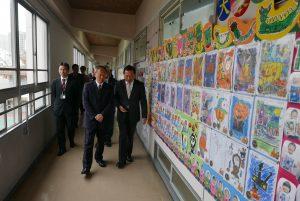 吳委員長參觀橫濱中華學院校舍