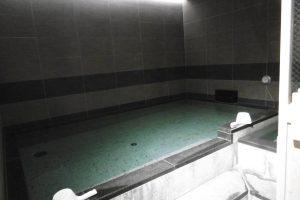 男性用大浴池