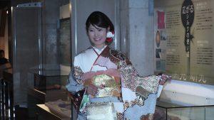 模特兒走秀展示身上所穿的和服
