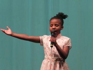 将来は先生になりたいというディムー(10歳)