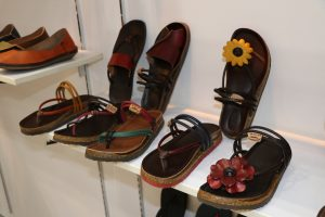 強調MIT,在台灣設計生產的鞋子。廠商希望藉由這樣的特色來吸引日本買家。