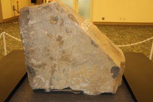 熊本城修復現場所發現的石塊有特殊花紋