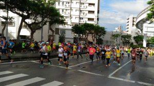 第32屆那霸馬拉松大會在12月4日上午9點開跑,今年共有2萬6千5百多人報名