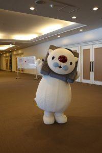 日本城郭檢定的吉祥物SHIROPPU現身考場